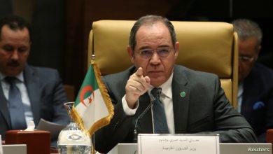 صورة وزير الخارجية صبري بوقدوم يقوم بزيارة عمل إلى مدريد
