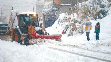 صورة 5 طرق وطنية مغلقة بسبب تراكم الثلج