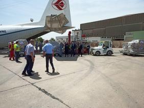 صورة الجالية الجزائرية بفرنسا ترسل 20 طن من المساعدات الطبية إلى الجزائر