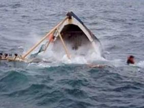 """صورة البحث عن ثلاثة بحارة مفقودين إثر غرق سفينة صيد بـ """"الصابلات"""""""