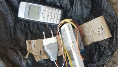 صورة الجيش يتمكن من تفكيك قنبلة تقليدية الصنع بمنطقة زموري في بومرداس