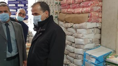 صورة وزير التجارة يتفقد سوق المواد الغذائية بواد السمار بالعاصمة