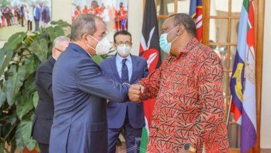 صورة رئيس جمهورية كينيا يستقبل وزير الخارجية بوقادوم