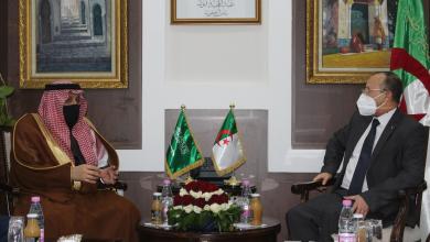 صورة توقيع مذكرة تعاون بين وزارتي السكن الجزائرية والسعودية
