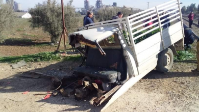 صورة الشلف: اصطدام قطار بسيارة نفعية في حادث مرور رهيب