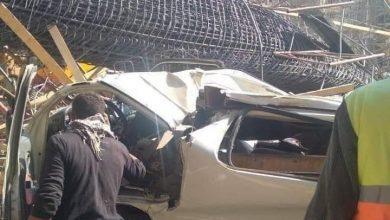 صورة سقوط عمود حديدي من أعلى الجسر على حافلة ركاب بمصر