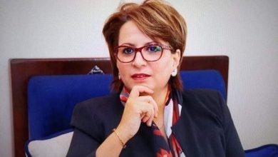 صورة وزيرة الثقافة: تقدم عرضا للحكومة من أجل التكفل بالفنانين