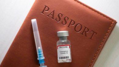صورة الاتحاد الأوروبي يعتزم السماح بدخول المسافرين الذين تلقوا اللقاحات المضادة لكوفيد-19