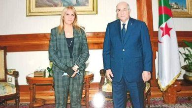صورة نغـزة تكشف ما دار بينها وبين الرئيس تبون