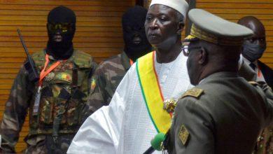 صورة إنقلاب مالي: قادة السلطة الإنتقالية يقدمون إستقالتهم أمام مجموعة الإيكواس
