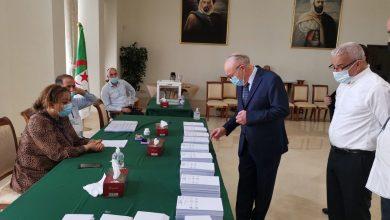 صورة تشريعيات 2021: الجالية الجزائرية المقيمة بالدوحة تشرع في عملية التصويت