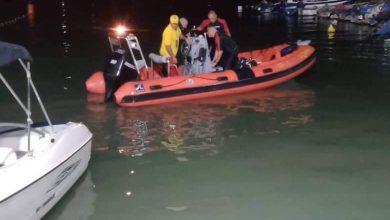 """صورة إنقاذ 17 """"حراقا"""" انقلب قاربهم في عرض البحر بـعين طاية"""
